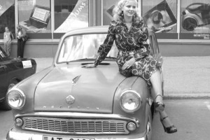 Meitene + auto =...