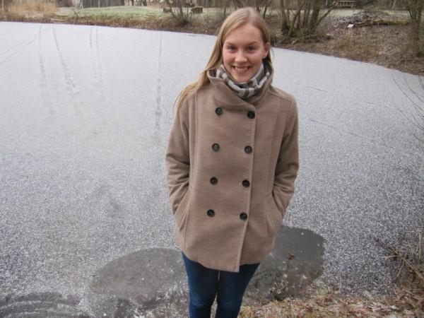 """JA IR LEDUS. Uz piemājas dīķa tiek slidots ik ziemu. Amanda Zalaka vien piebilst: """"Protams, ja ir sals."""""""